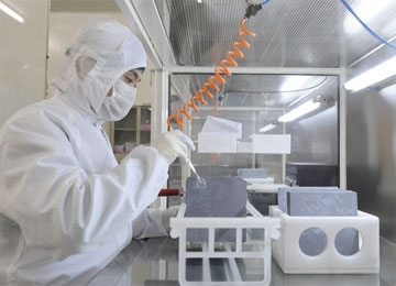 Suntech Abandons Thin Film, Wafer Experiments